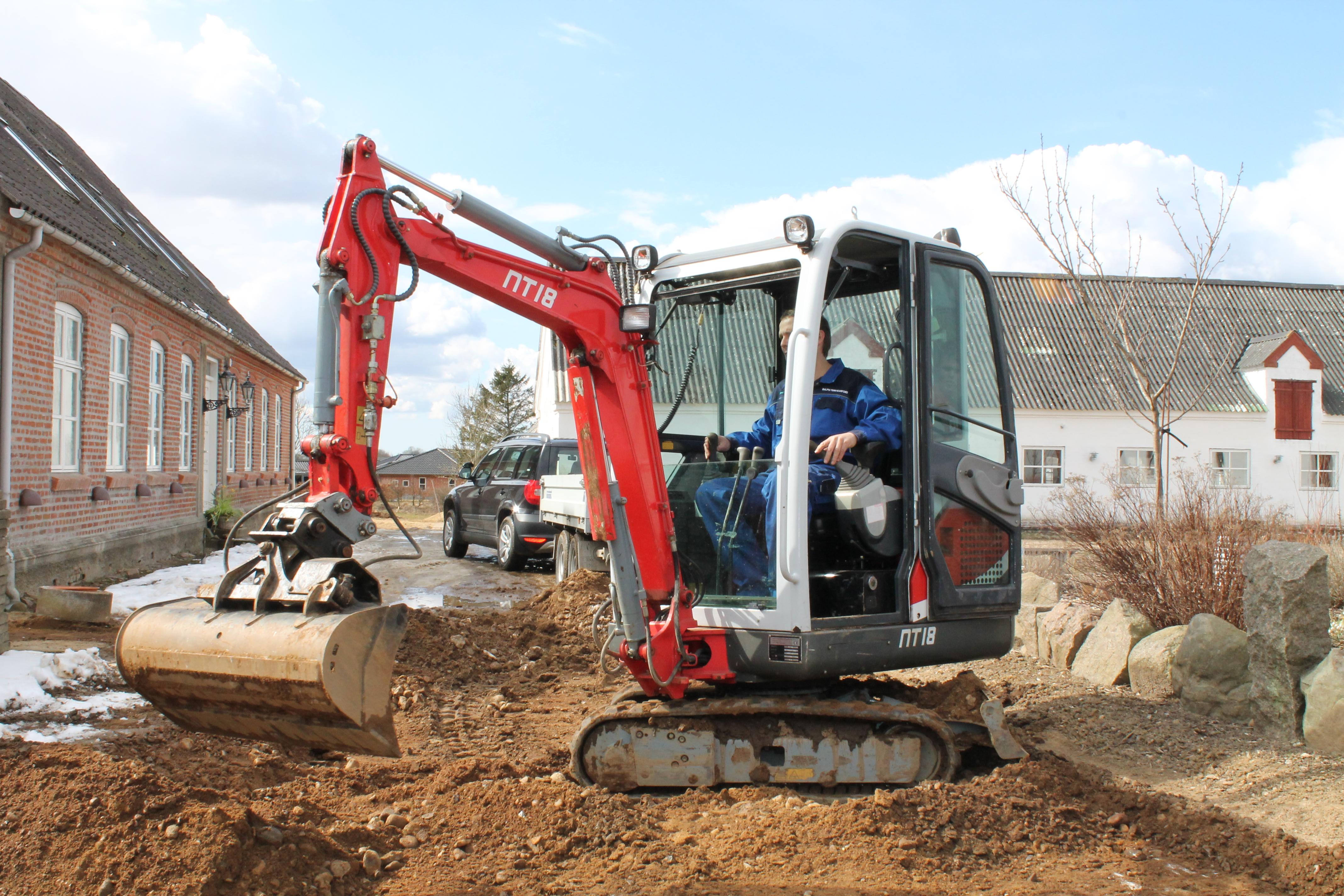 Udlejning af Minigraver i Vejle | Køreskole Bjerregaard